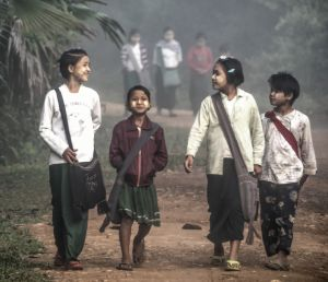 Going to school, Thamanti